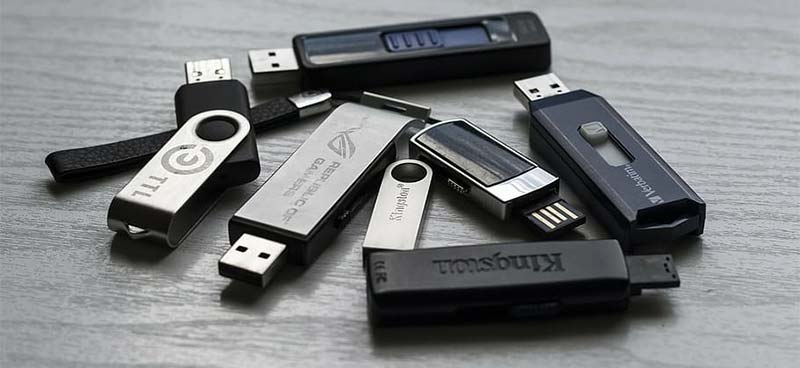 listen to music in a car from a usb flash drive